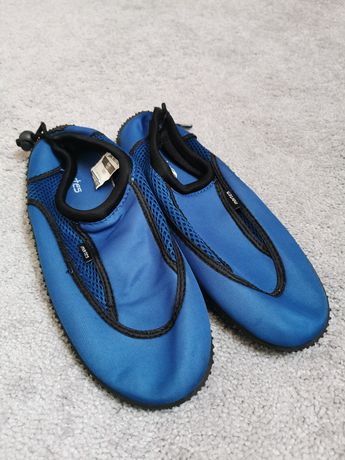 Buty r. 42 do pływania, na basen