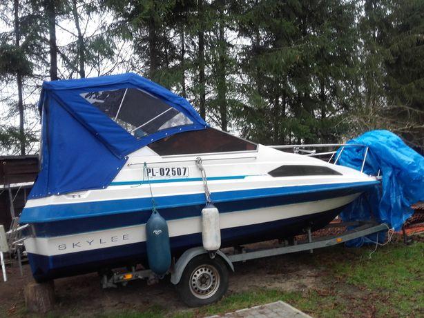Jacht motorowy Skylee 670 kabinowy