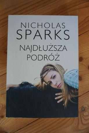 """Książka Nicholasa Sparksa """"Najdłuższa podróż"""""""