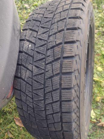 Bridgestone Blizzak DM-V1 215 65 16
