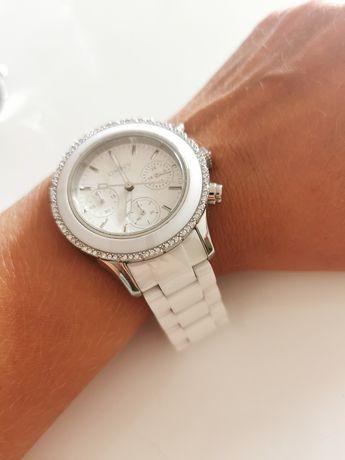 Biały zegarek DKNY PIĘKNY