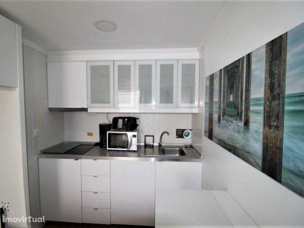 Apartamento T0 mobiliado e equipado em Alfama