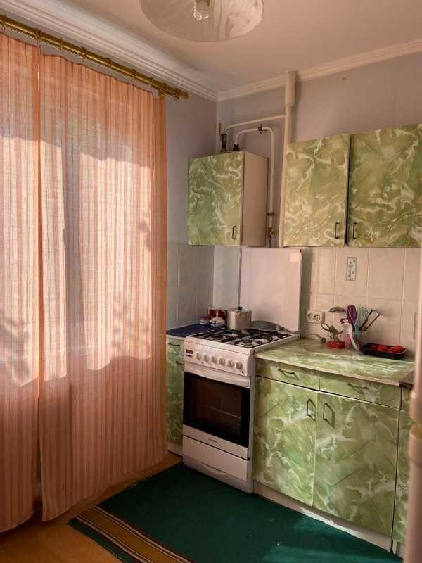 Продам 1но кімнатну квартиру по вул. Сумгаїтська