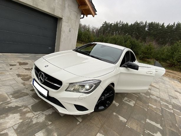 Auto do ślubu biały Mercedes CLA Urban