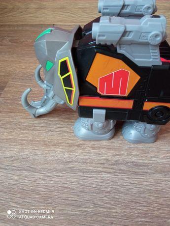 Іграшка бойовий слон.