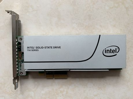 Disco SSD Intel 750 Series de 400GB