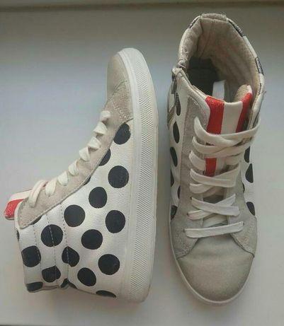 Стильні і зручні жіночі шкіряні кросівки, черевичкі італійського бренд
