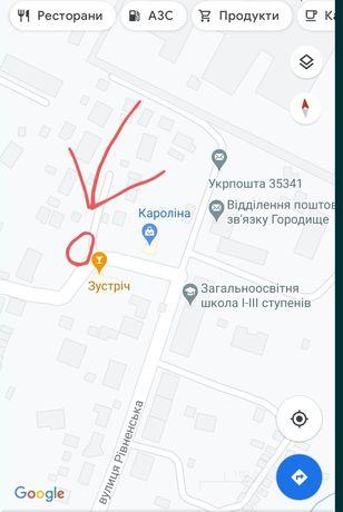 Терміново ділянка в центрі села під забудову