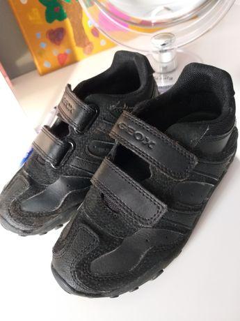 Czarne, eleganckie, wygodne - sportowe buty GEOX Respira, rozm. 29
