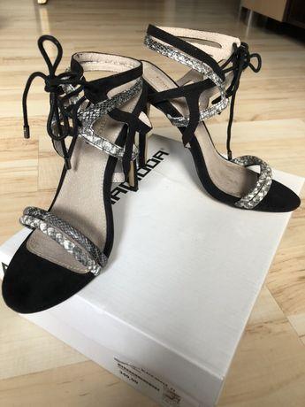Szpilki sandały Prima Moda 37 skóra węża czarne białe