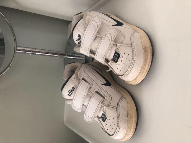 Nike dziecięce roz.21 buciki adidasy buty
