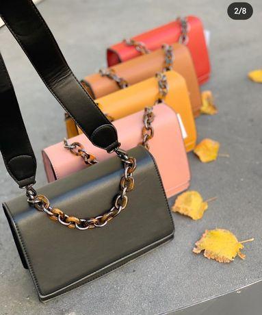 Черная сумка с длинным и коротким ремешком