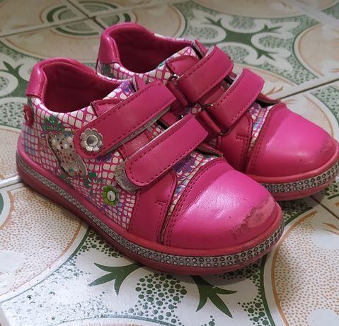 Туфли-кроссовки на девочку