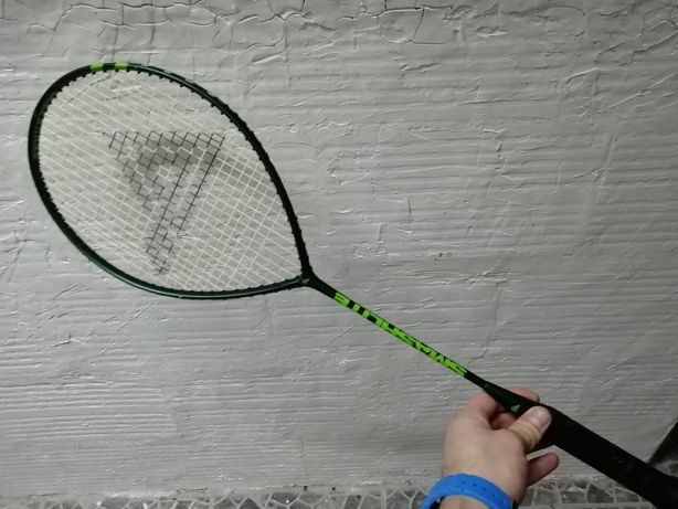 Raquete de ténis e raquetes de Badminton