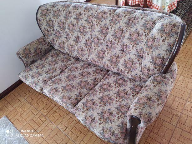 1 sofá 3lug/cama, 2 sofás individuais
