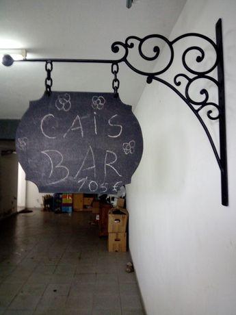 Placa identificação de bares restaurantes.