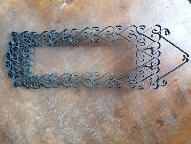 Designerska metalowa rama - metaloplastyka w stylu vintage