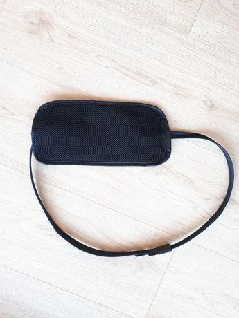 PacSafe czarna saszetka, portfel