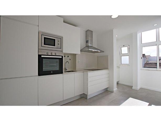 Apartamento T2 totalmente Remodelado - Cidade de Sol - Ba...