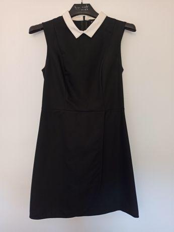 Sukienka z kołnierzykiem
