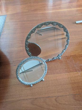 Dois espelhos antigos redondos
