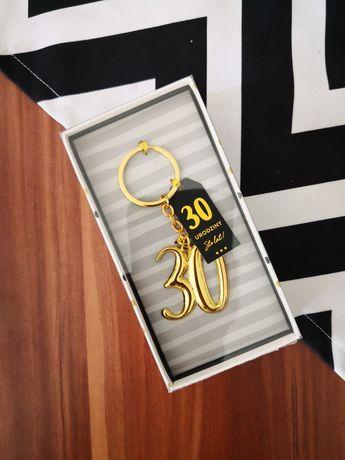 Na prezent, brelok do kluczy, na 30 urodziny, złoty