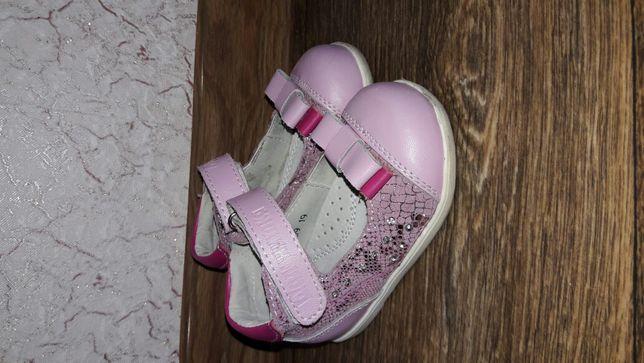 Кожаные туфли для девочки 12,5 см