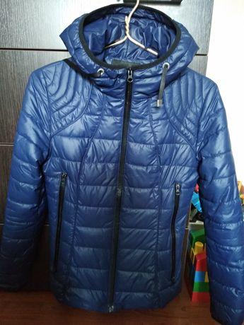 Куртка демисезонная на девочку-подростка
