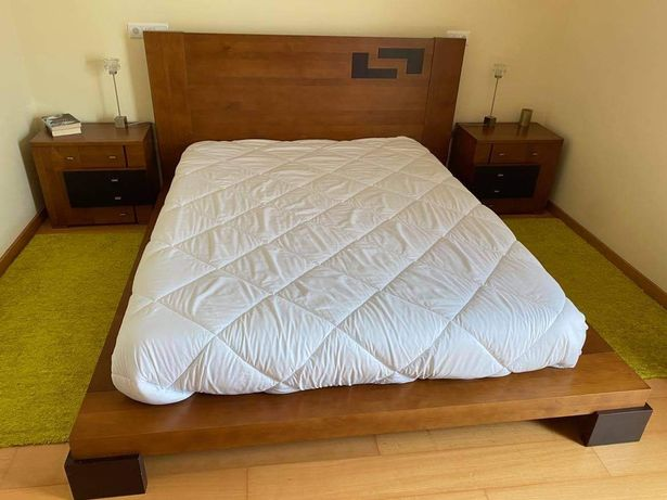 Mobília de quarto de casal madeira maciça