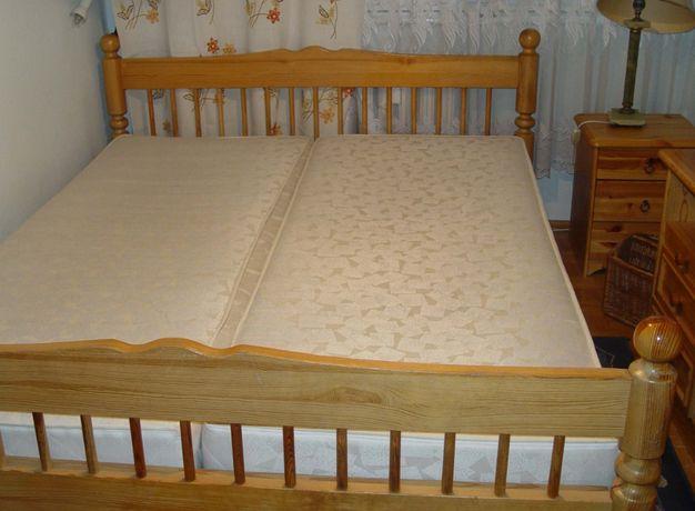 Łóżko drewniane dwuosobowe z materacami