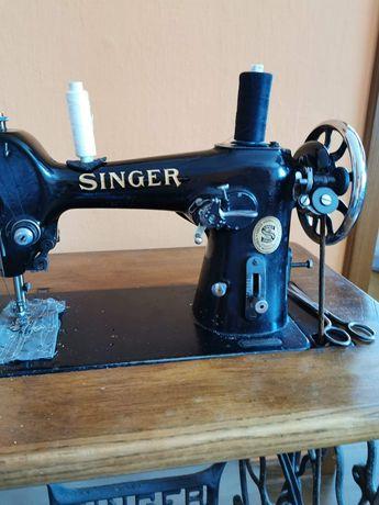 Sprzedam Maszynę do szycia Singer.