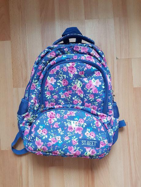 Plecak szkolny młodzieżowy 4 komory ST.REET firmy St. Majewski FLOWERS