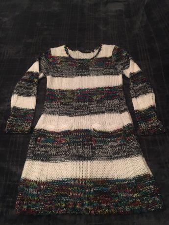 Sweterek z kieszeniami, r 140