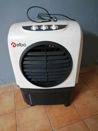 Refrigerador através de agua