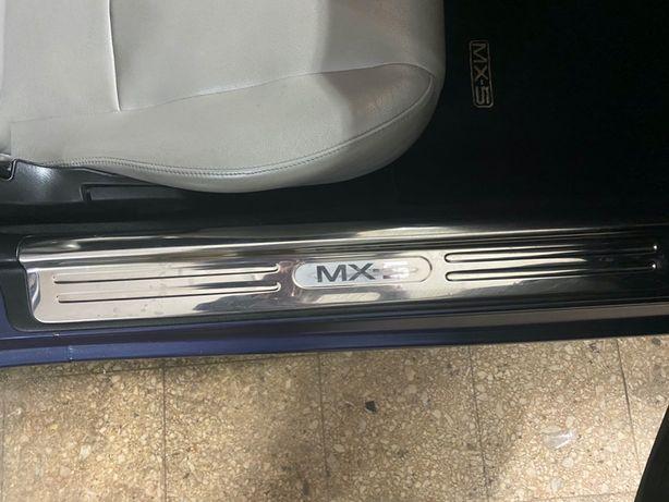 Mazda MX-5 - Patins para porta