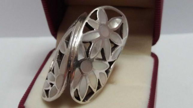 Pierścień z masą Perłową Srebro