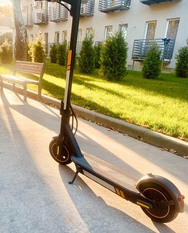Продам электросамокат Ninebot KickScooter MAX G30P Black by Segway