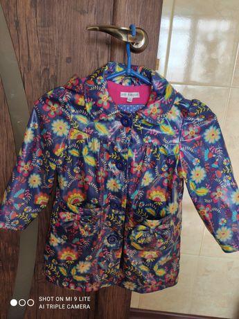 Плащ, курточка на девочку 3-4 года