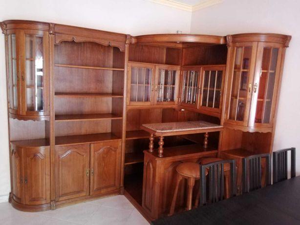 móvel de sala com bar em cerejeira