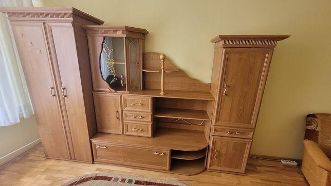 Meble, wersalka, fotele, szafa, kredens, stolik