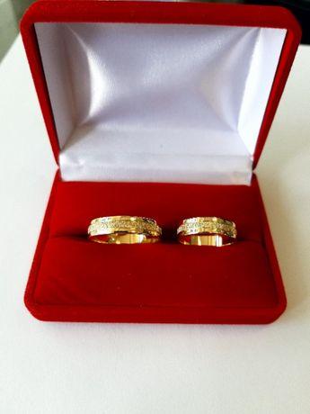 Złote Obrączki Pierścionki Zaręczynowe