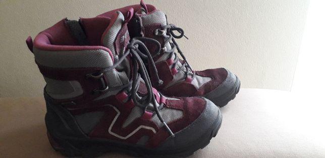 Buty dziewczęce firmy Bartek na późną jesień, rozm. 32. Profilowane.