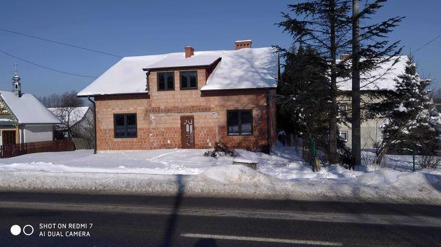Dom w Giedlarowej, stan surowy, ładna 10ar działka, dobra lokalizacja