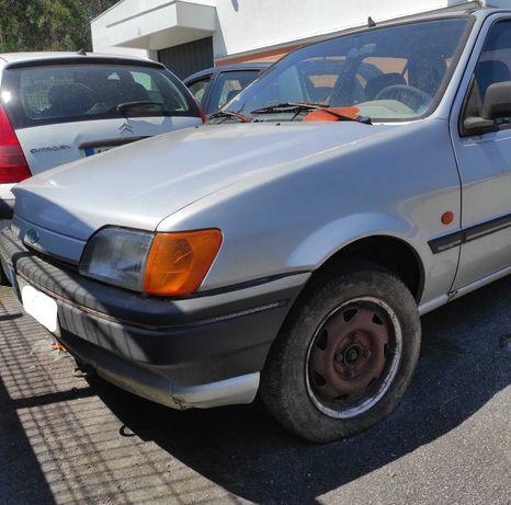Ford Fiesta 1.1 CLX - Para Peças