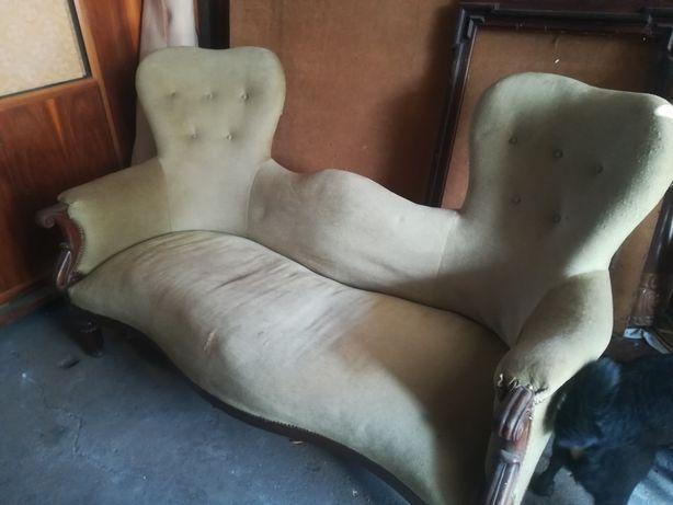 Śliczna antyczna kanapa