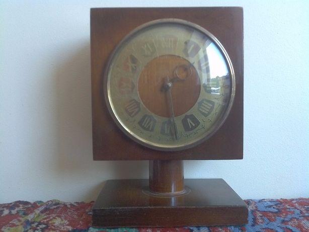 Часы настольные, каминные Весна 1-класс ГОСТ 3309-1975 г. СССР.