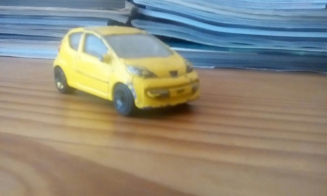 Vendo Peugeot 107 réplica!