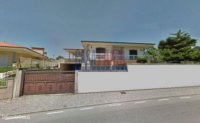 Moradia V3+1 em Seide  Vila Nova de Famalicão
