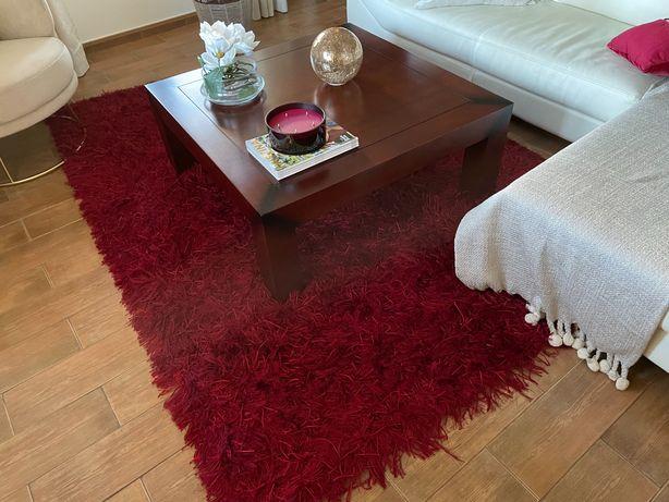 Lindas carpetes em estado novo
