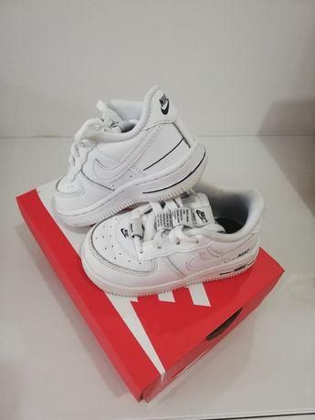 Sapatilhas Nike criança tamanho 22